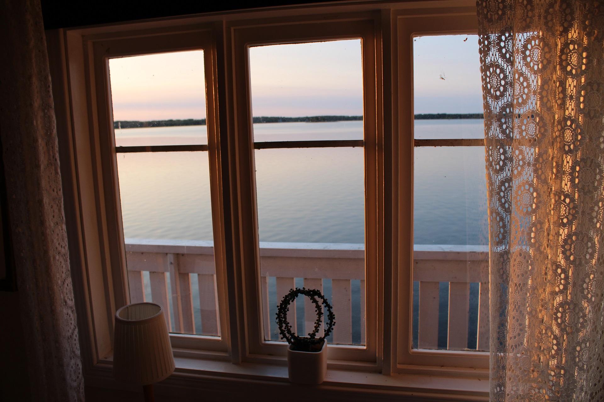 Utsikt från sjöstugan